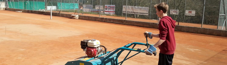 Tennisplatz herrichten